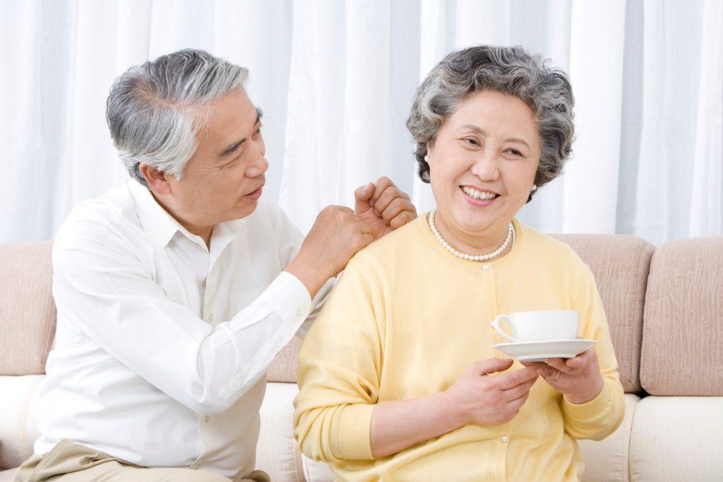Người cao tuổi có nên dùng nước yến sào hay tổ yến ?